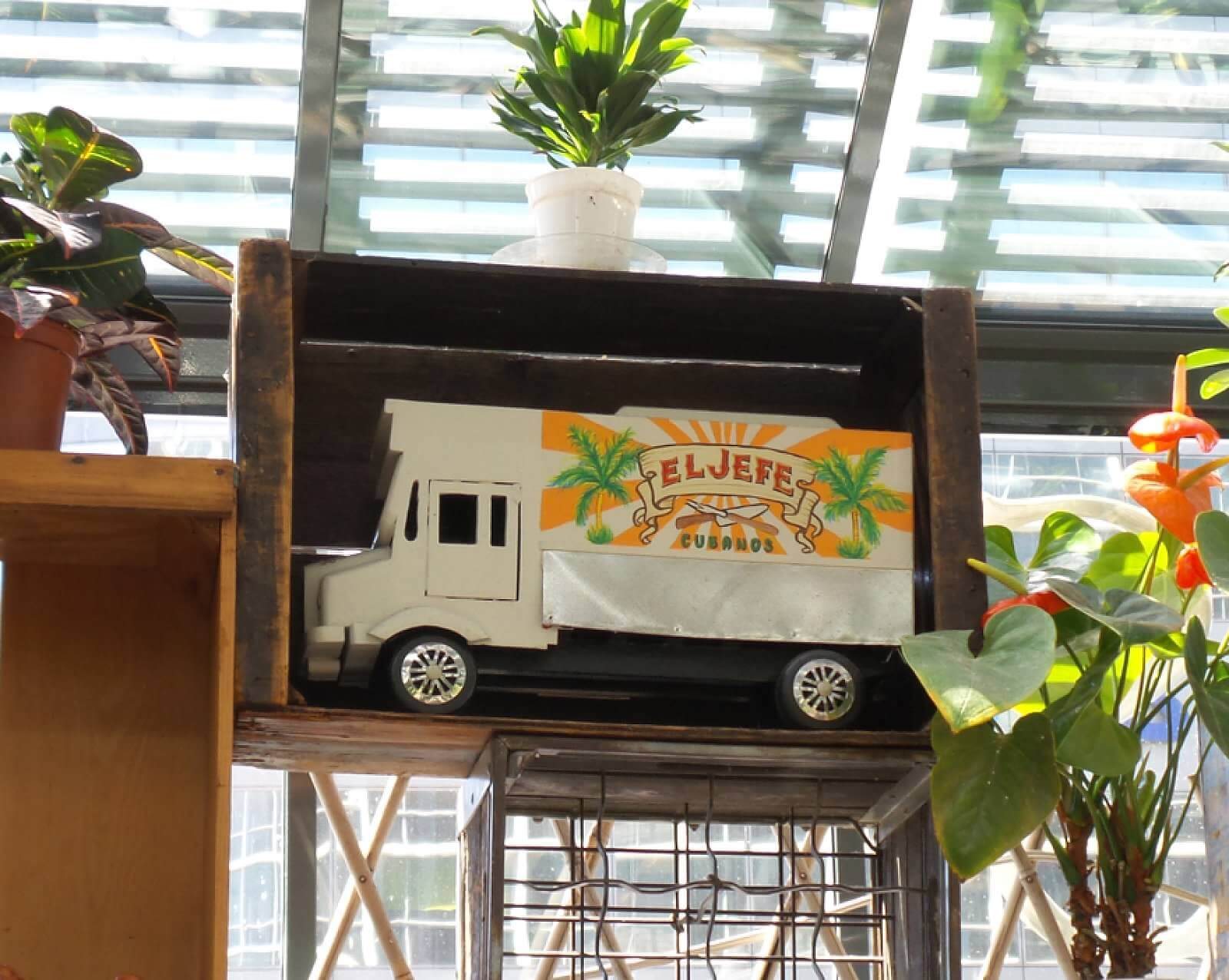 Model of the El Jefe food truck from the film Chef.